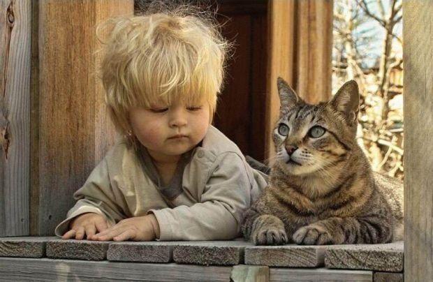 Τα παιδιά πρέπει να συναναστρέφονται με ζωάκια